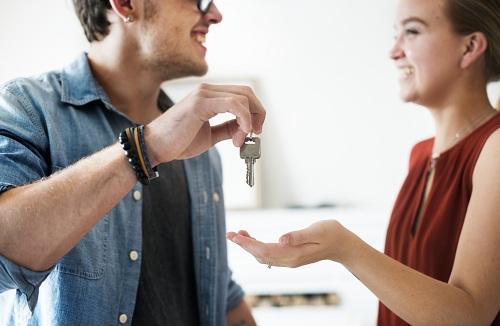 une agence immobilière lors d'un achat immobilier